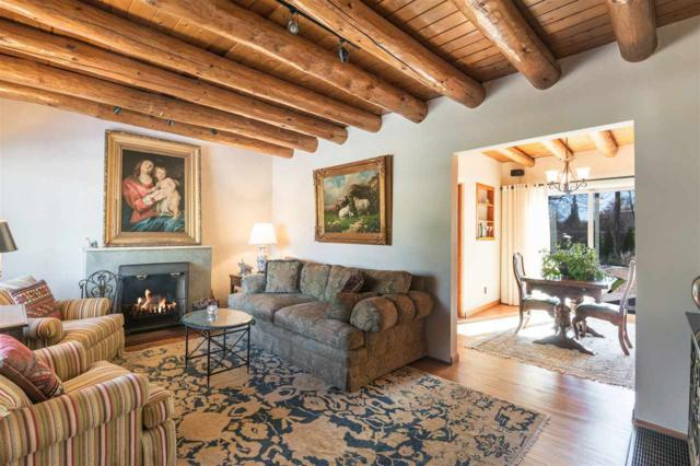 1950 San Ildefonso, Santa Fe, NM 87505 (MLS #201805442) :: The Bigelow Team / Realty One of New Mexico