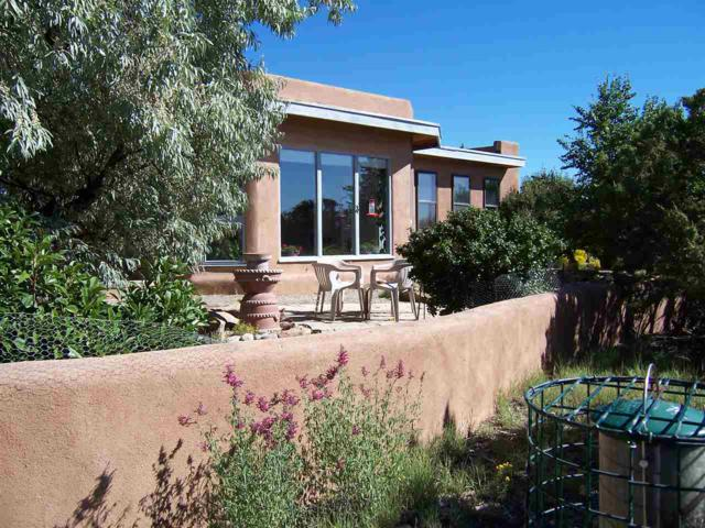 782 Coyote Ridge Rd, Santa Fe, NM 87507 (MLS #201805561) :: The Desmond Group