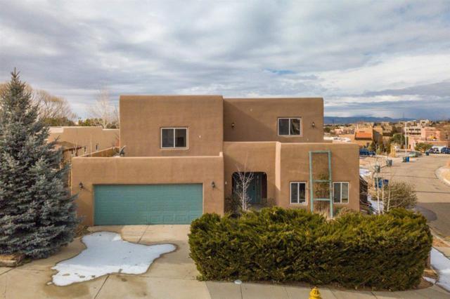 3200 Casa Rinconada, Santa Fe, NM 87507 (MLS #201805754) :: The Very Best of Santa Fe