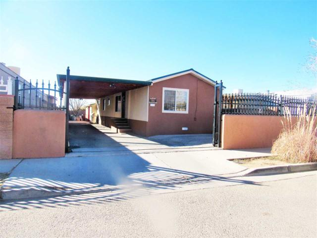 2960 Lois, Santa Fe, NM 87507 (MLS #201805782) :: The Bigelow Team / Realty One of New Mexico