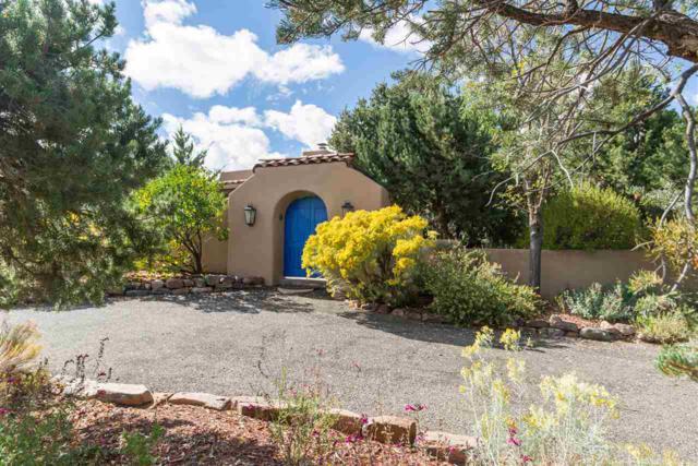 16 Lluvia De Oro, Santa Fe, NM 87506 (MLS #201900004) :: The Very Best of Santa Fe