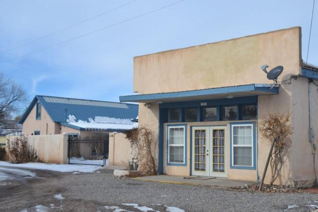119 Calle Delgado N. Riverside Dr, Espanola, NM 87532 (MLS #201900043) :: The Bigelow Team / Realty One of New Mexico