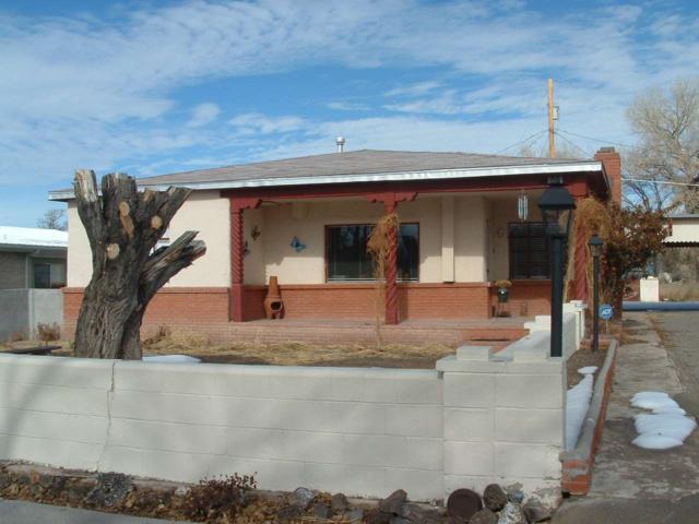 503 W. Pueblo Drive, Espanola, NM 87532 (MLS #201900097) :: The Desmond Group