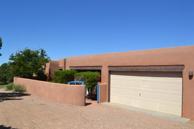 5 Morning Glory, Santa Fe, NM 87506 (MLS #201900116) :: The Very Best of Santa Fe