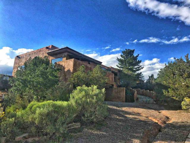 229 Valle Del Sol, Santa Fe, NM 87501 (MLS #201900122) :: The Very Best of Santa Fe