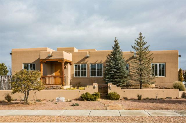 76 Avenida Frijoles, Santa Fe, NM 87507 (MLS #201900233) :: The Very Best of Santa Fe
