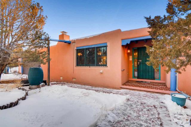 1908 Calle De Sebastian, Santa Fe, NM 87505 (MLS #201900236) :: The Desmond Group