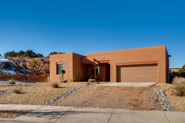 1633 Placita De Luna, Santa Fe, NM 87506 (MLS #201900291) :: The Desmond Group