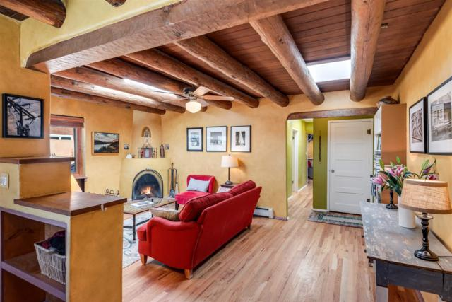 6 Pueblo Drive, Santa Fe, NM 87505 (MLS #201900312) :: The Desmond Group