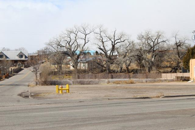 611 Calle Vigil, Espanola, NM 87510 (MLS #201900652) :: The Bigelow Team / Realty One of New Mexico
