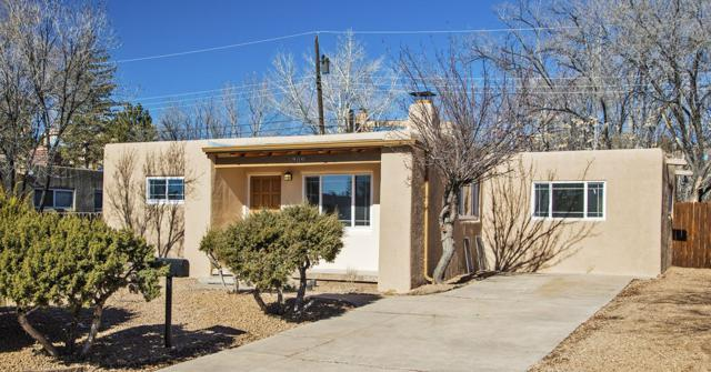 1309 Avenida Aliso, Santa Fe, NM 87501 (MLS #201900699) :: The Bigelow Team / Realty One of New Mexico