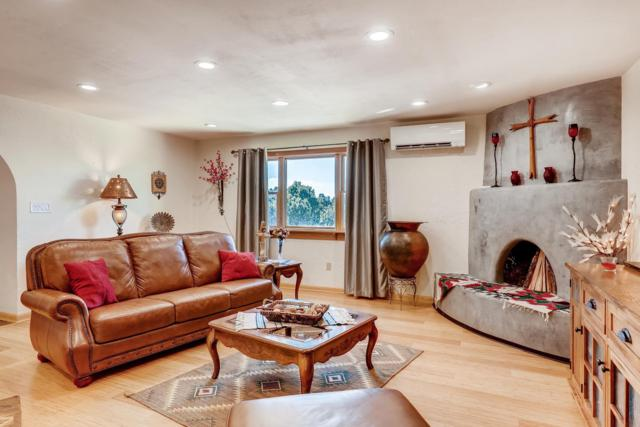 8 Torneo Road, Santa Fe, NM 87508 (MLS #201900705) :: The Desmond Group