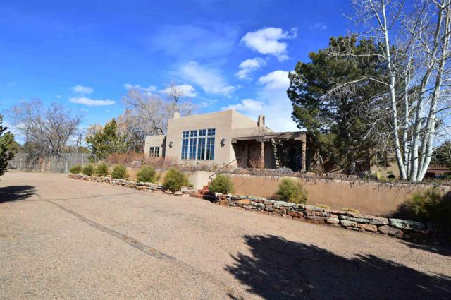 826 1/2 E Zia Road, Santa Fe, NM 87505 (MLS #201900713) :: The Bigelow Team / Realty One of New Mexico