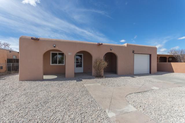 1224 Calle La Mirada, Santa Fe, NM 87507 (MLS #201900771) :: The Bigelow Team / Realty One of New Mexico