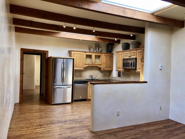 818 W Manhattan Avenue A, Santa Fe, NM 87501 (MLS #201900804) :: The Bigelow Team / Realty One of New Mexico