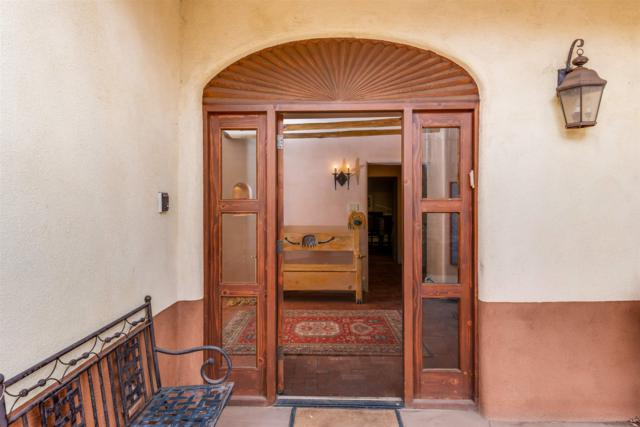 407 Camino Del Monte Sol, Santa Fe, NM 87505 (MLS #201900831) :: The Bigelow Team / Realty One of New Mexico