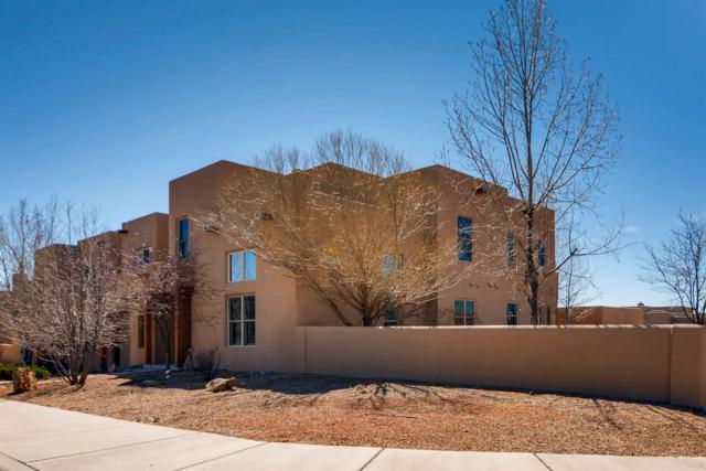 16 Camino De Vecinos, Santa Fe, NM 87507 (MLS #201900833) :: The Bigelow Team / Realty One of New Mexico