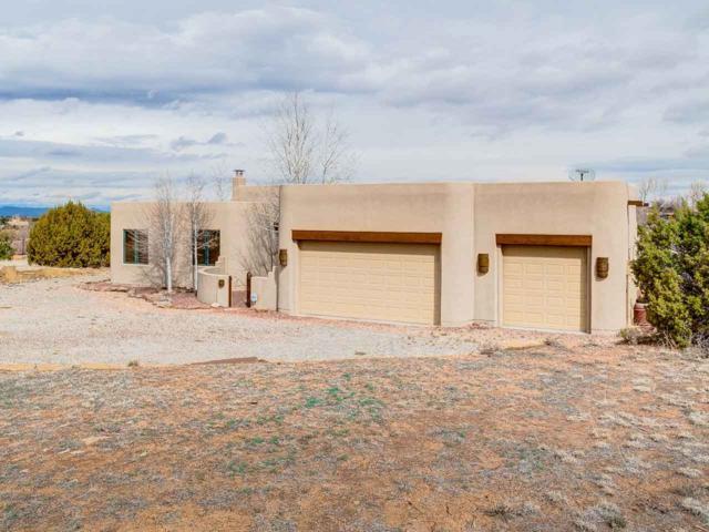 12 Camerada, Santa Fe, NM 87508 (MLS #201900942) :: The Desmond Group