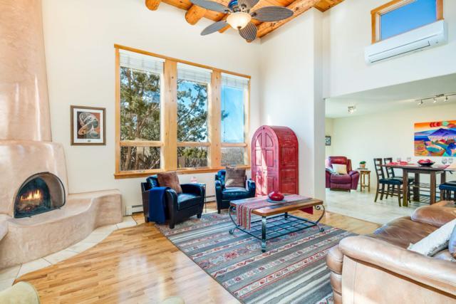 2820 Vereda Poniente, Santa Fe, NM 87507 (MLS #201900949) :: The Bigelow Team / Realty One of New Mexico