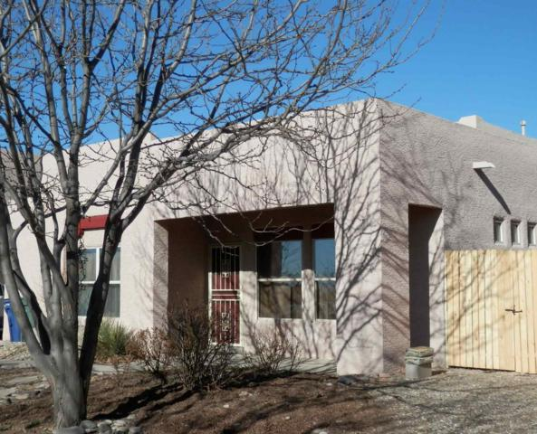 6117 Monte Azul Pl, Santa Fe, NM 87507 (MLS #201900965) :: The Bigelow Team / Realty One of New Mexico