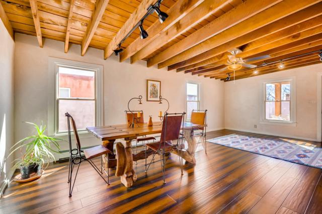 945 Mercer Street, Santa Fe, NM 87505 (MLS #201900971) :: The Bigelow Team / Realty One of New Mexico