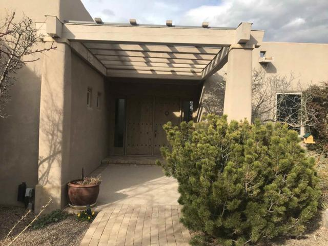 97 Vuelta Maria, Santa Fe, NM 87506 (MLS #201900975) :: The Bigelow Team / Realty One of New Mexico
