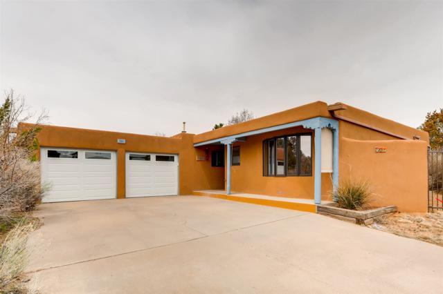 501 Calle De Valdez, Santa Fe, NM 87505 (MLS #201901320) :: The Desmond Group