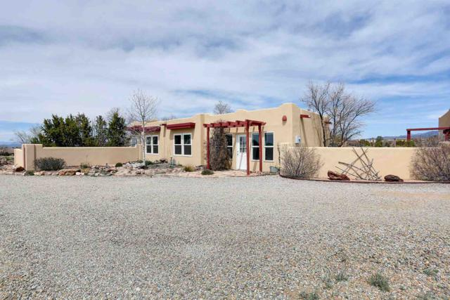 17 Mariposa Road, Santa Fe, NM 87508 (MLS #201901327) :: The Bigelow Team / Realty One of New Mexico