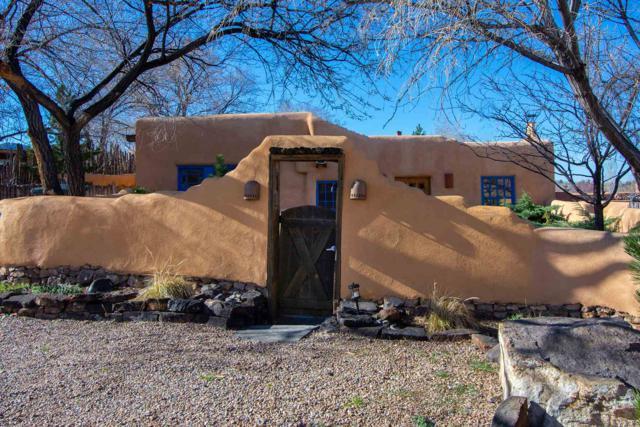 12 Montoya Cir, Santa Fe, NM 87501 (MLS #201901474) :: The Very Best of Santa Fe