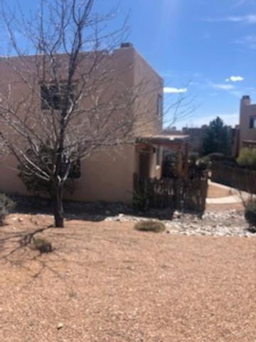 2210 Miguel Chavez #916 #916, Santa Fe, NM 87505 (MLS #201901496) :: The Desmond Group