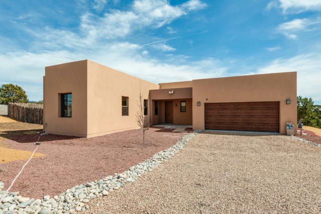 1 Via Solis, Santa Fe, NM 87507 (MLS #201901576) :: The Desmond Group