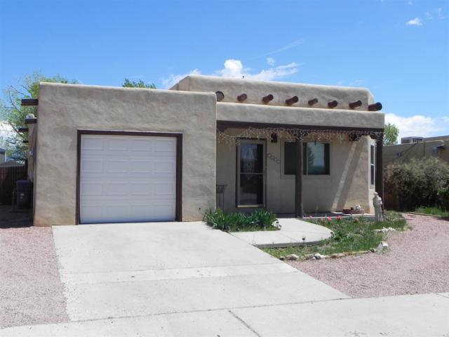 1329 Acequia Borrada, Santa Fe, NM 87507 (MLS #201901745) :: The Desmond Group