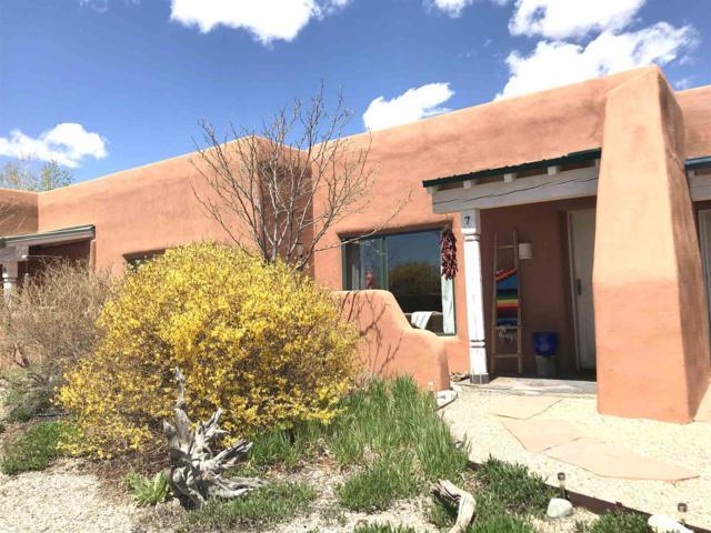 8 Cresta De La Luna #7, Taos, NM 87571 (MLS #201901821) :: The Very Best of Santa Fe