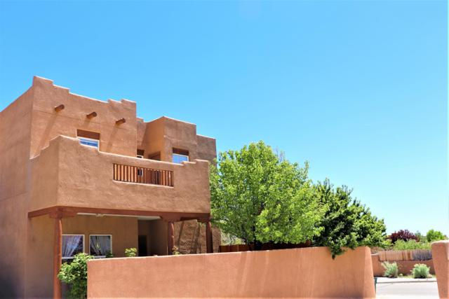 6787 Camino Rojo, Santa Fe, NM 87507 (MLS #201901847) :: The Very Best of Santa Fe