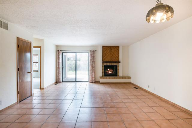 1882 Camino De Pabilo, Santa Fe, NM 87505 (MLS #201901886) :: The Desmond Group