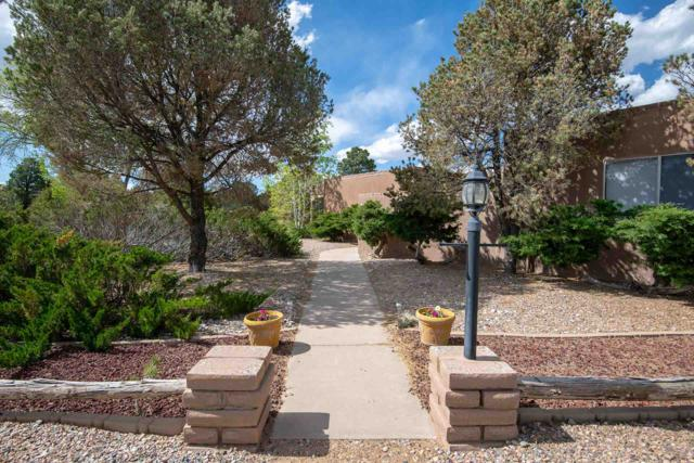 2020 Valle Vista St, Santa Fe, NM 87501 (MLS #201901931) :: The Desmond Group
