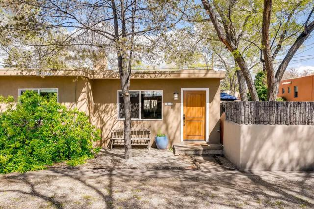 203 Laughlin Street, Santa Fe, NM 87505 (MLS #201901970) :: The Desmond Group