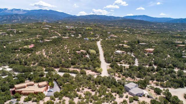 1112 Paseo Barranca, Santa Fe, NM 87501 (MLS #201901977) :: The Desmond Group