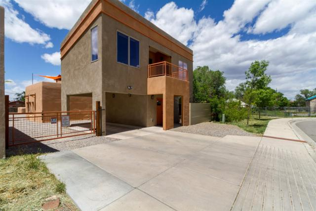 815 Baca Street, Santa Fe, NM 87505 (MLS #201902140) :: The Desmond Group