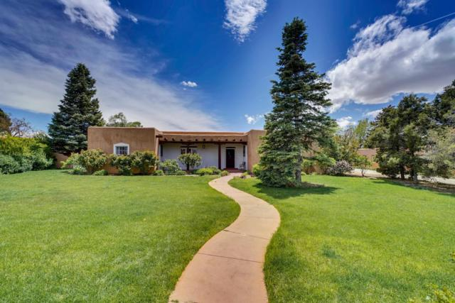 318 E Coronado, Santa Fe, NM 87505 (MLS #201902295) :: The Desmond Group