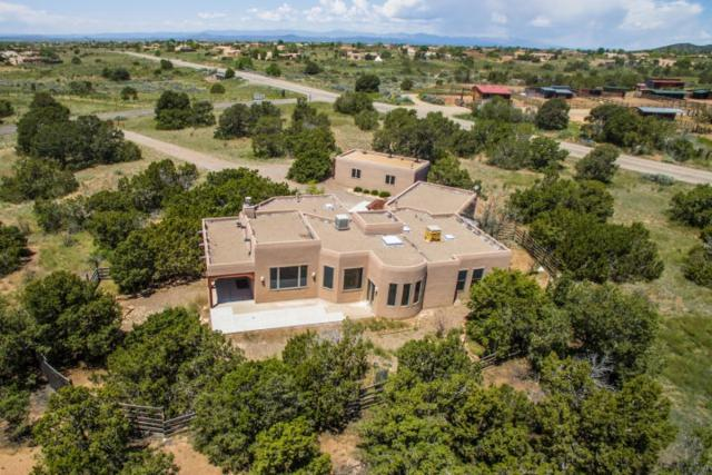 8 La Paz, Santa Fe, NM 87508 (MLS #201902420) :: The Very Best of Santa Fe
