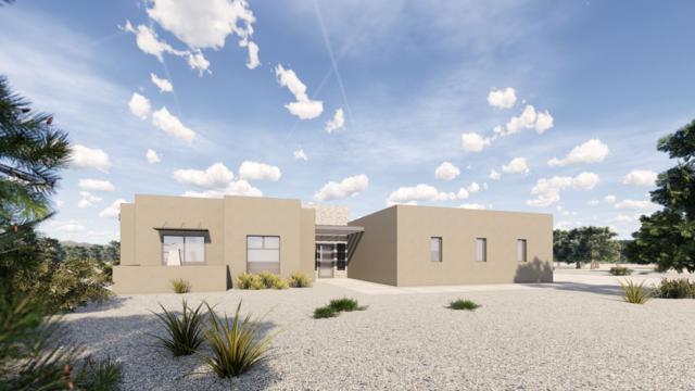 2 Calle Gonzales, Santa Fe, NM 87506 (MLS #201902441) :: The Desmond Group