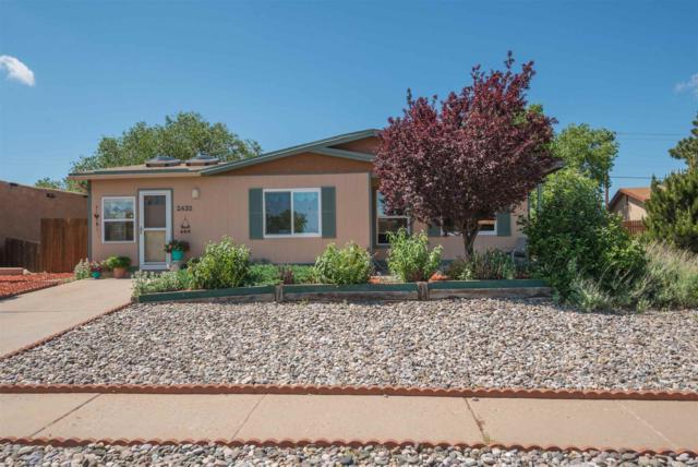 2435 Vereda De Encanto, Santa Fe, NM 87505 (MLS #201902473) :: The Desmond Group