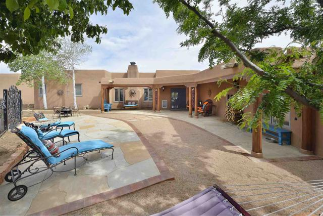 19 Horcado Ranch Road, Santa Fe, NM 87506 (MLS #201902661) :: The Very Best of Santa Fe