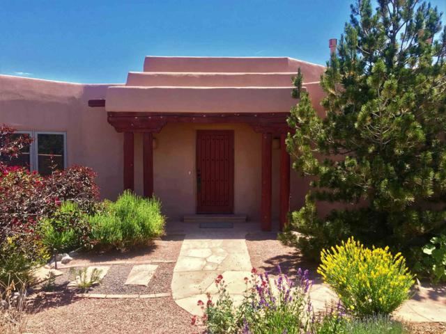 4 Antigua, Eldorado, NM 87508 (MLS #201902670) :: The Desmond Group