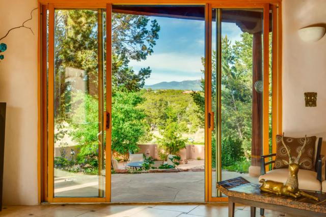 12 Via San Martin, Santa Fe, NM 87506 (MLS #201902729) :: The Very Best of Santa Fe