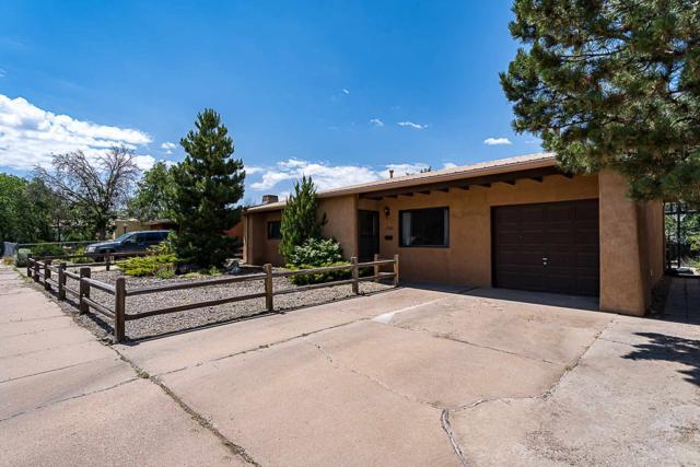 1706 Callejon Cordelia, Santa Fe, NM 87501 (MLS #201903048) :: The Desmond Group