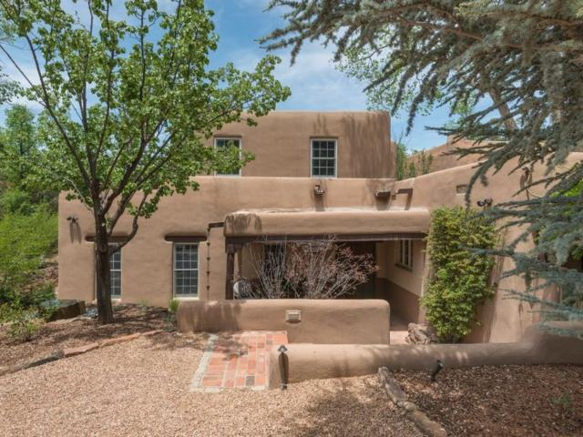 586 1/2 Camino Del Monte Sol, Santa Fe, NM 87505 (MLS #201903127) :: The Very Best of Santa Fe
