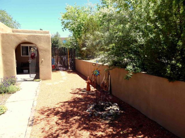 255 Camino De La Sierra, Santa Fe, NM 87501 (MLS #201903139) :: The Desmond Group