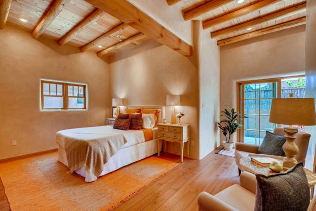 624 Gomez, Santa Fe, NM 87505 (MLS #201903207) :: Berkshire Hathaway HomeServices Santa Fe Real Estate